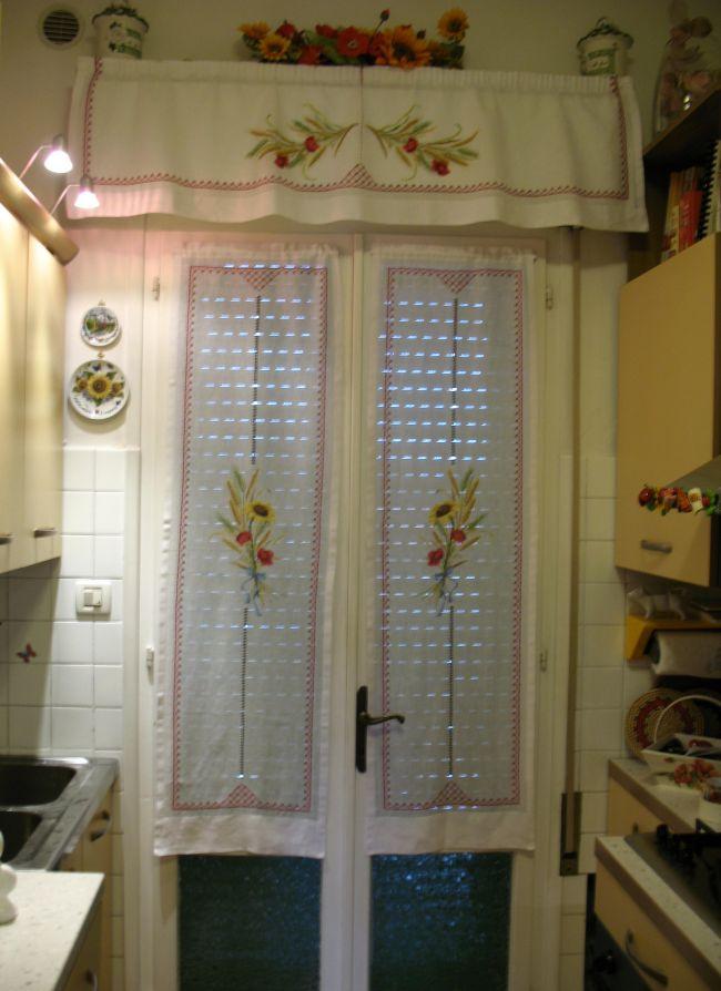 La mia cucina con tendine girasoli e papaveri dall 39 album for Tende e mantovane da cucina