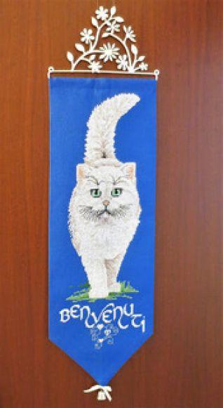 Fuori porta gatto bianco