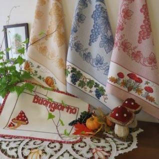 Tre asciugapiatti autunnali uva/zucche/funghi