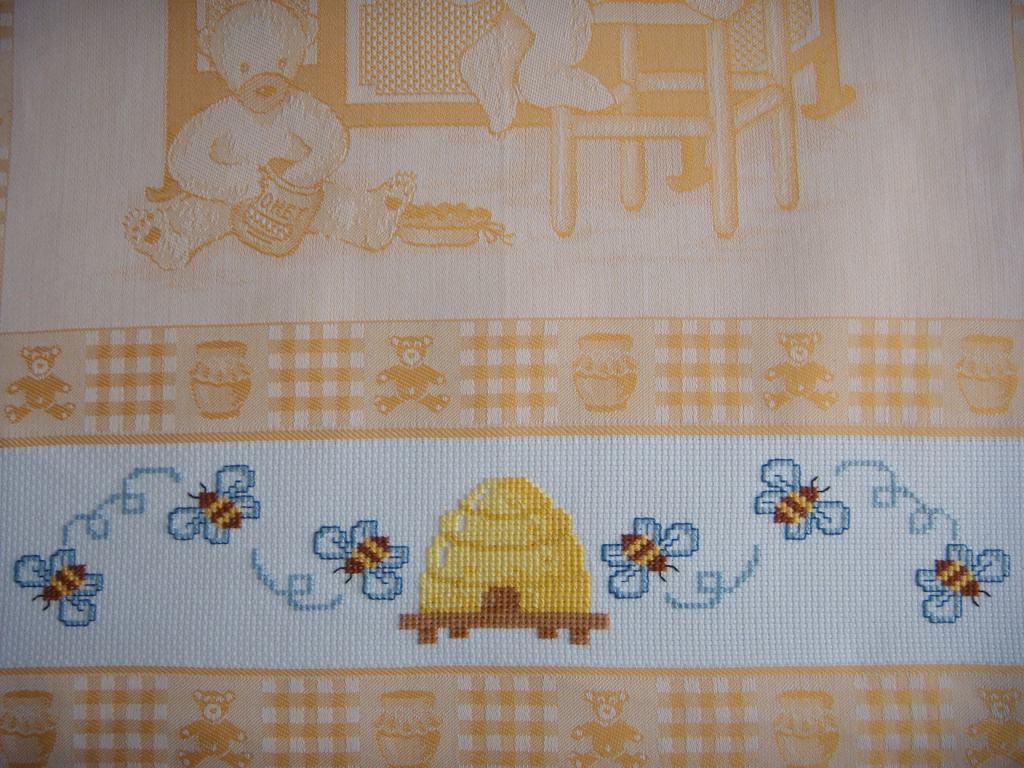 Canovaccio orsi e api particolare dall 39 album di - Canovaccio da cucina ...