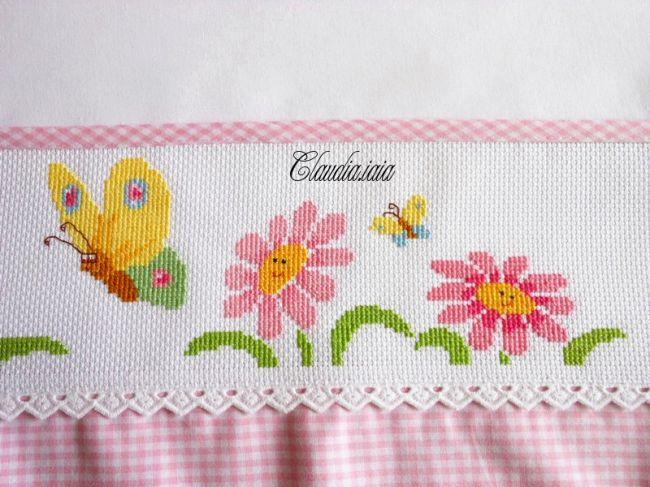 Lenzuolino fiori e farfalle 4 dall 39 album di for Farfalle a punto croce