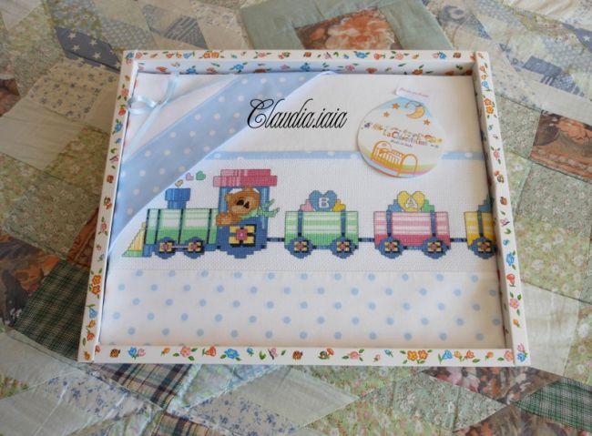 Lenzuolino locomotiva e trenino baby 1 dall 39 album di for Punto croce trenino