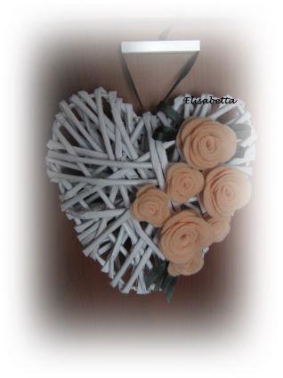 cuore con roselline
