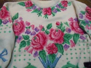 maglione ricamato a punto maglia