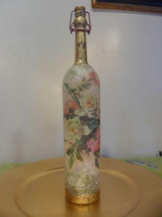 bottiglia con foglia oro