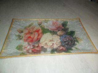 vassoio con fiori