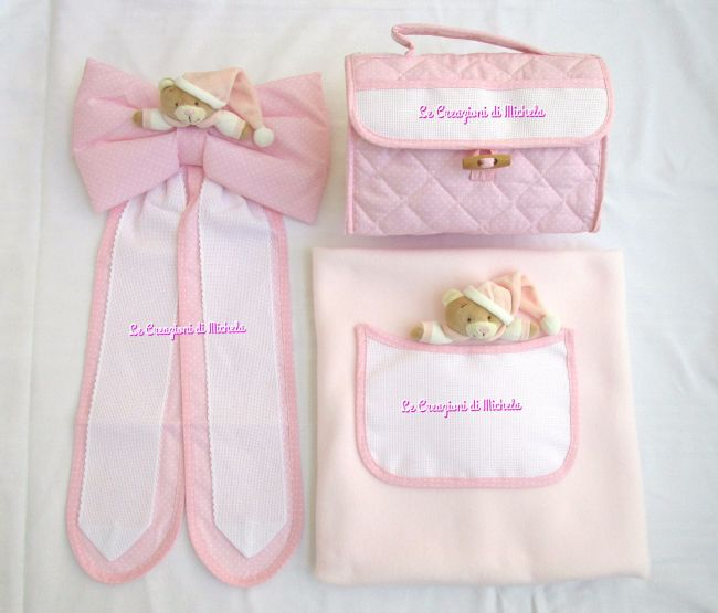 Completo fiocco nascita,beauty case e copertina rosa