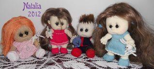 4 Bambole insieme