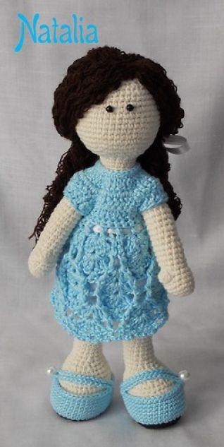 Bambola + vestito e scarpine ad uncinetto