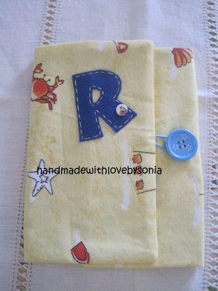 astuccio porta matite/pennarelli personalizzato con l'iniziale R.