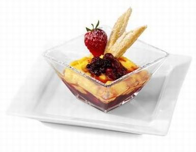 Coppa di frutti di bosco con zabaione al limoncello e granella di ruote senza glutine