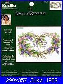Bucilla - Schemi e link-bucilla-43095-rosebud-wreath-donna-dewberry-jpg