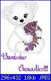 Oggi gli auguri sono per Alessia-orsetto-bianco-con-fiori-viola-jpg