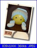 Ably - I miei lavori all'uncinetto-scarpine-e-cappellino-giallo-verde_1a-jpg