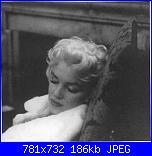 schema per cuscino marilyn monroe-marilyn-dorme-jpg