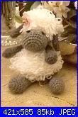 Foto sal impariamo il punto pelliccia - una pecora amigurumi-mazzi-jpg