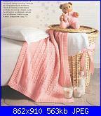 Copertina ai ferri per la nipotina-copertina-rosa2-jpg