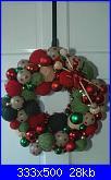 NATALE A MAGLIA-foto-schemi-punti-decorazioni-knitters_wreath_13_large_-jpg