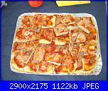 idee buffet compleanno-pizza-margherita-e-con-salsiccia-jpg