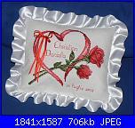 Portafedi  - con gli schemi di Natalia-cuscino-cuore-rose-jpg