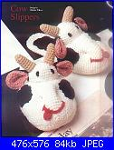 mucche e pecore-cow-slippers_page_1-jpg