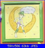 Cerco bebè appeso con spilla da balia, bimbo e fatina su luna, fatina.-004906-1-jpg