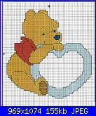 Cerco schema con orsetto che tiene un cuore in mano.....-schema%2520pooh-jpg