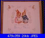 Mamma e papà coniglio con neonato in braccio-p1010635-jpg