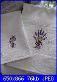 Cerco schema lavanda-asciugamani-oblo-con-lavanda-jpg