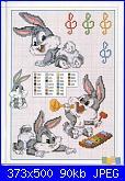 Schema Bux bunny baby con le mani poggiate sulle guance-6-jpg