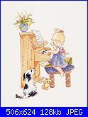 DMC - chloe che suona il piano-k4408-jpg