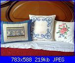ricami diversi-cuscini-azzurri-jpg