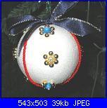 Decorazioni natalizie-pallina-fiori-di-perle-jpg