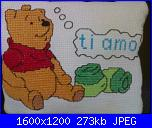members/winnie88/albums/i-miei-ricami/172704-cuscino-winnie-pooh.jpg